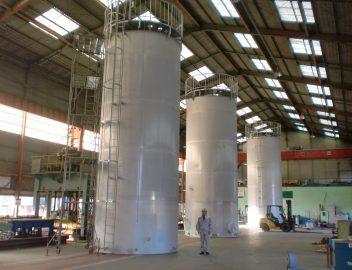 塔、槽、大型タンク、容器(ベッセル)
